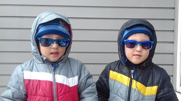Почему близнецов и двойняшек одинаково одевают?